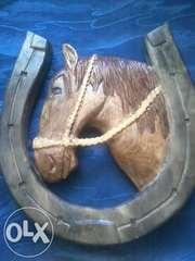 Ручна робота. Кінь в підкові. Різьба по дереву (резьба по дереву).