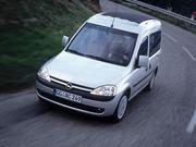 Лобовое стекло на Opel Combo 2003г + установка
